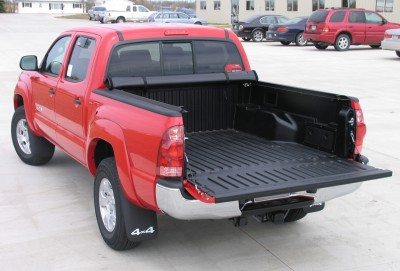 lorado™ low-profile design truck bed cover