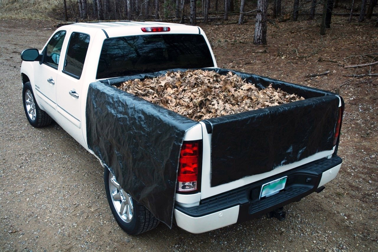 Fold up truck bed liner