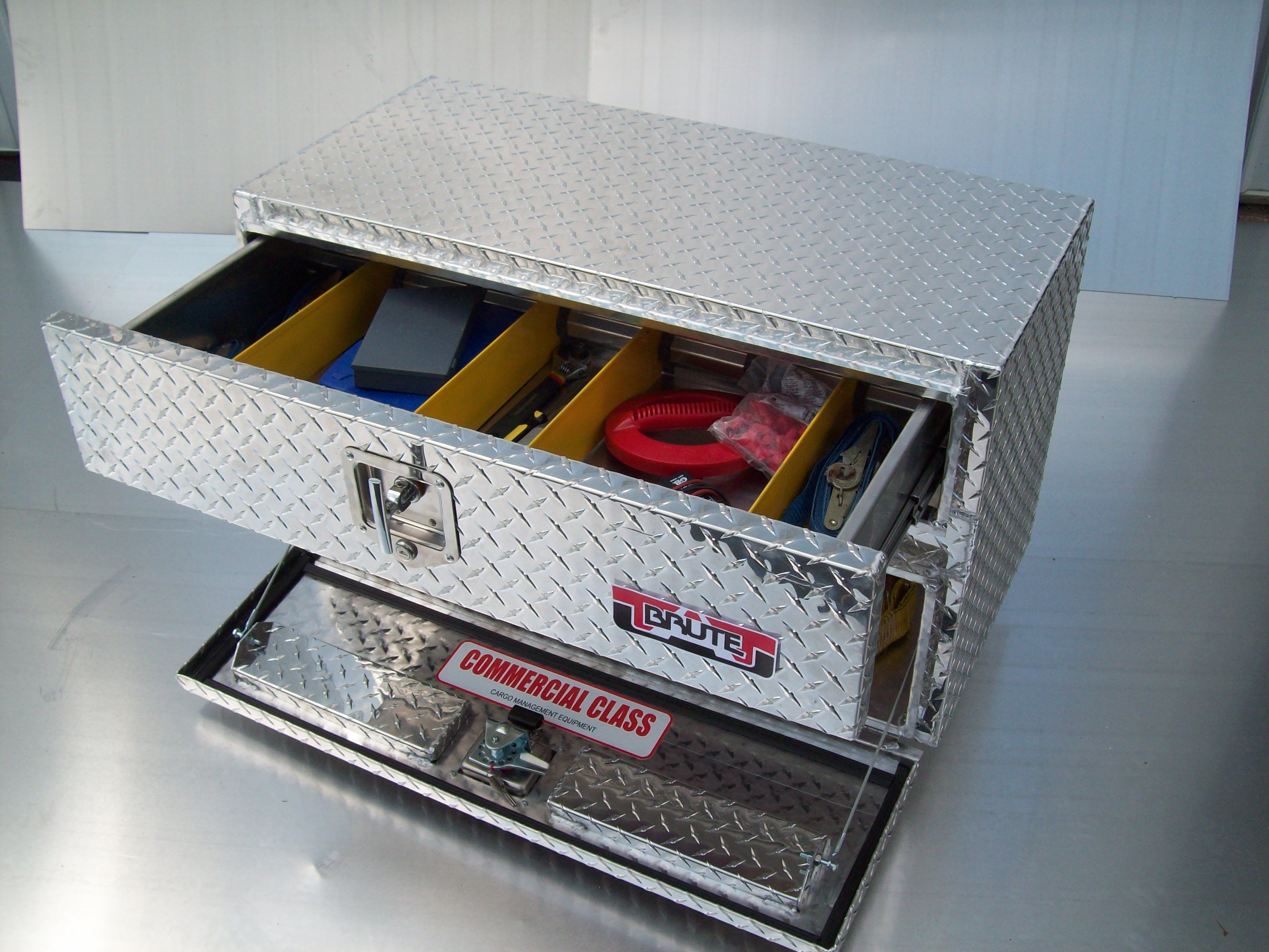 Brute Underbody Truck Tool Boxes With Top Drawer